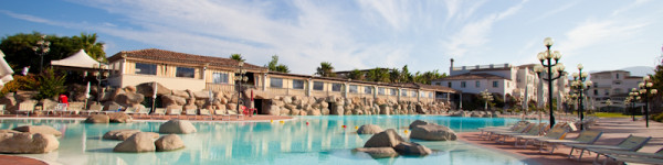 Relax in Piscina - Hotel Sighientu