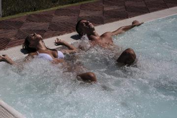 Coppia idromassaggio - Grande Baia Resort & SPA