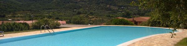 Piscina-esterna-Hotel-&-Resort-Sa-Rocca
