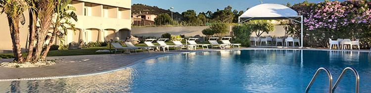Hotel San Teodoro piscina