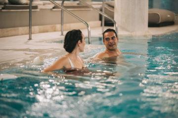 Vasca con acqua riscaldata, idromassaggio e getti al Pullman Timi Ama